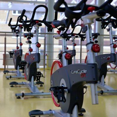 servicios profesionales diseno de gimnasios para comunidades de propietarios bicicletas vecindia - Diseño de gimnasios para comunidades de propietarios