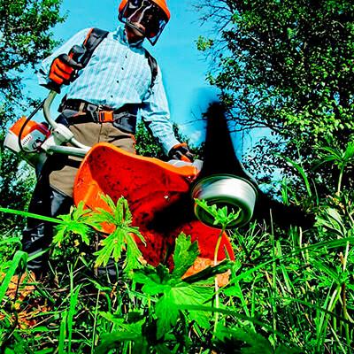 servicios profesionales jardineria para comunidades de propietarios desbrozadora vecindia - Jardinería en Las Ventas De Retamosa para Comunidades de Propietarios