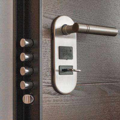 servicios profesionales vigilancia privada seguridad comunidades de propietarios puerta blindada vecindia - Vigilancia privada y seguridad para comunidades de propietarios