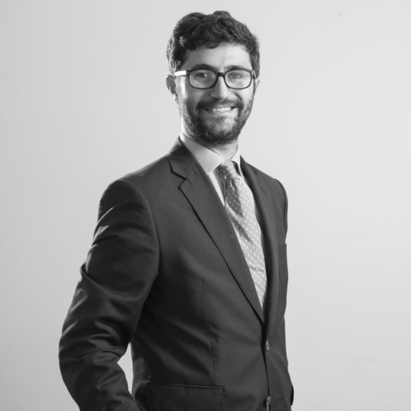 estanislao moreno de la santa zabia abogado especialista en propiedad horizontal 586x586 | Abogados Comunidades Propietarios Badia Del Vallès